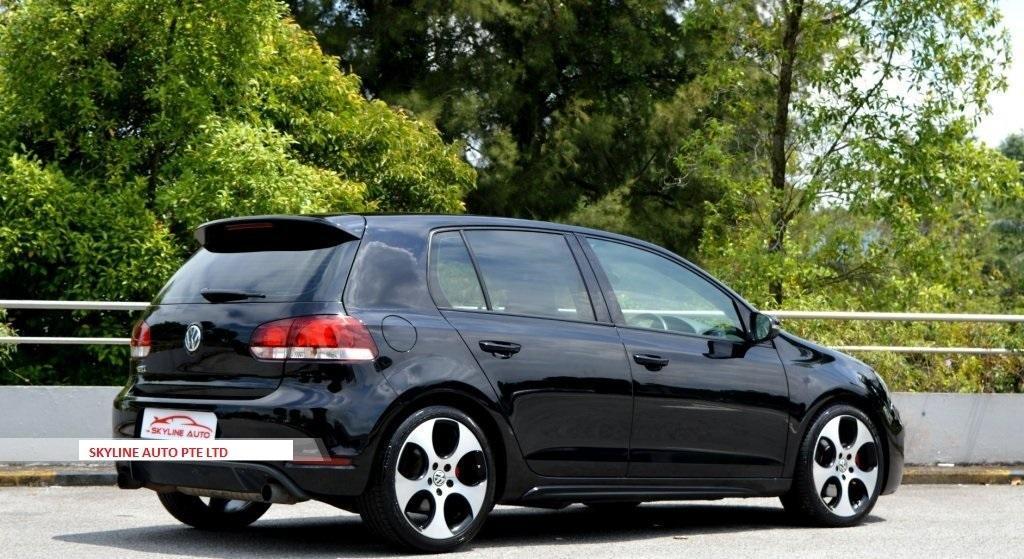 Volkswagen Golf GTI 2.0 DSG Auto