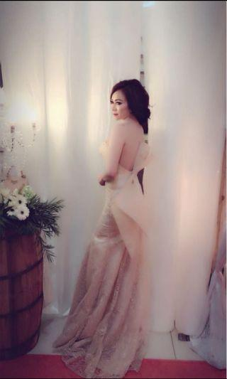 Wedding dress by elizabeth cindy