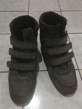 Sporty heel
