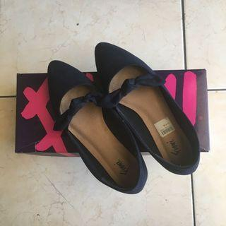 Sepatu Fiony sise 6