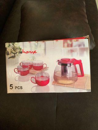 Teapot set with 4 glasses