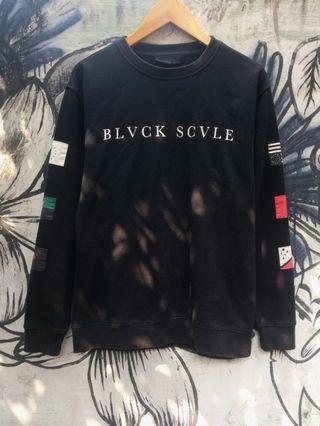Black scale multinational crewneck original