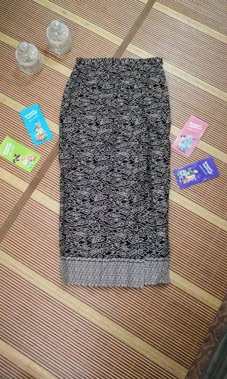 Skirt Batik Indonesia - Warna coklat + hitam (saiz 38-40)