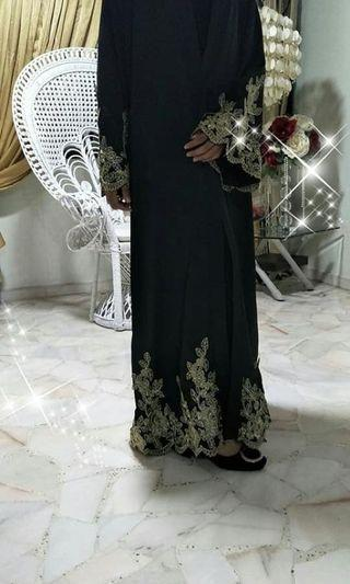 Abaya cardigan with gold embroidery