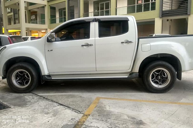 ISUZU DMAX VGS 2.5CC(M) MODEL 2017 CCM 1129 X 6 TAHUN LBH TIP TOP CONDITION LOW MILEAGE