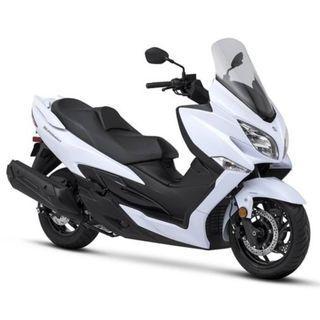 Suzuki Burgman 400 White