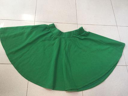 Green skater skirt. Rok hijau
