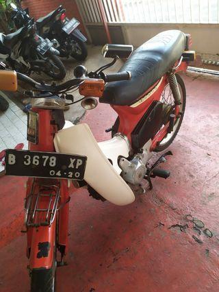 Motor Honda C 700