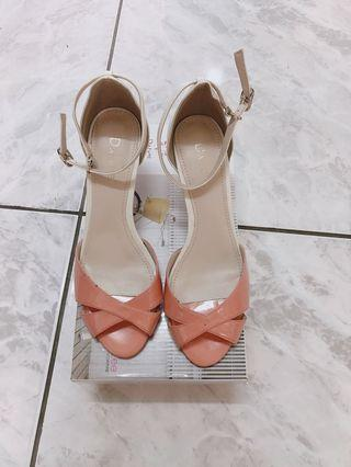 Daphne達芙妮 繫踝繞踝裸色跟鞋
