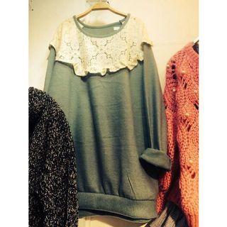 韓製-蕾絲荷葉縫製長版棉衫