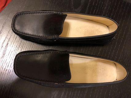 TOD's 豆豆鞋 黑色37.5號