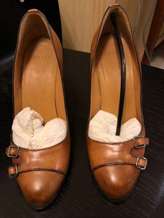 BALLY 咖啡色粗跟高跟鞋