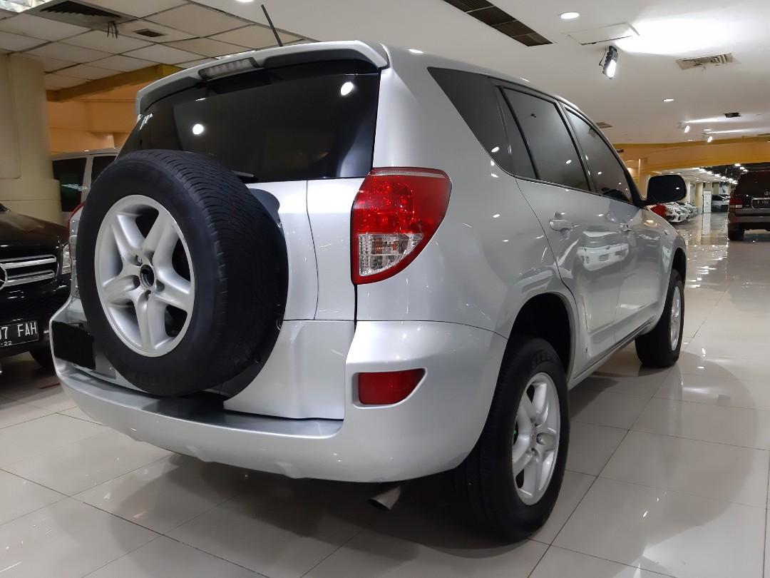 2006 Toyota RAV-4 2.4L Automatic 2WD.Kunci KEYLESS-Tombol. SUNROOF.Nopol L-Surabaya(Genap).TERAWAT.Siap PAKAI.for Sale-NEGO