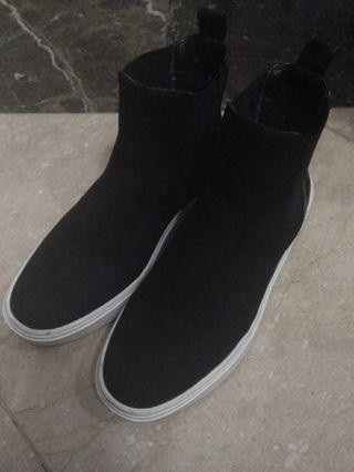 H&M Suede Ankle Chelsea Leather Boots