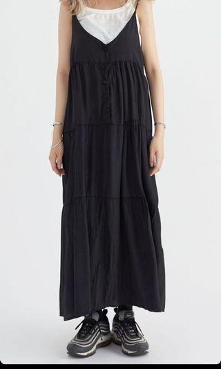 黑色細肩帶超長洋裝
