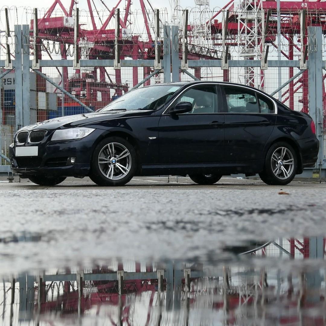 BMW 323I 2009