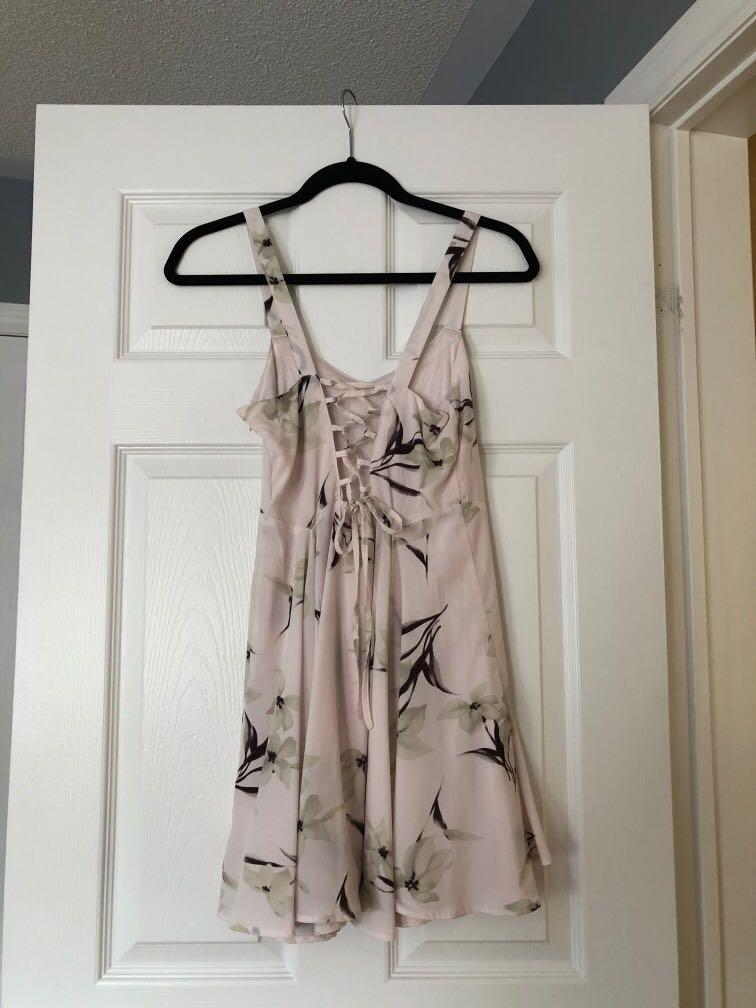 MARGOT summer dress, light pink with floral design (S)