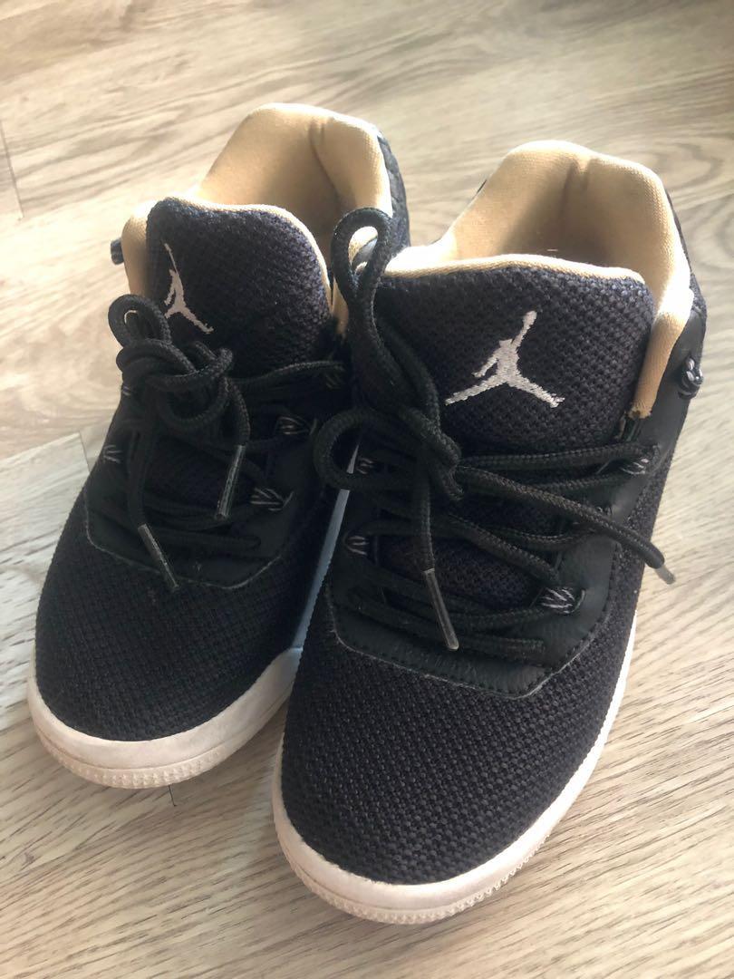 Sepatu anak merk JORDAN