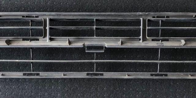 07 Toyota wish original bottom bumper grill