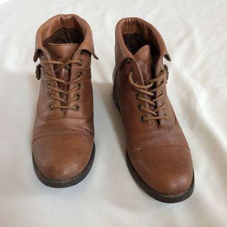 Steve Madden Brown Laced Ankle Boots