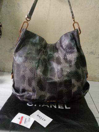 bally shoulder bag authentic real snake skin