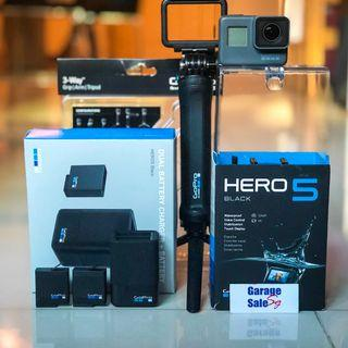 USED~GoPro pack~Hero 5 (black)+dual battery charger+batteries x2+3-way grip/arm/tripod