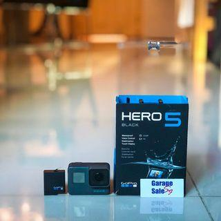 USED~GoPro pack~Hero 5 (black)+dual battery charger+batteries x2