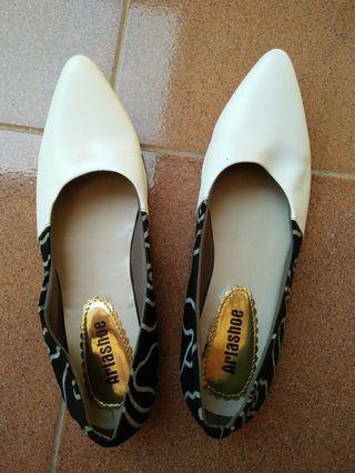 flat shoes batik