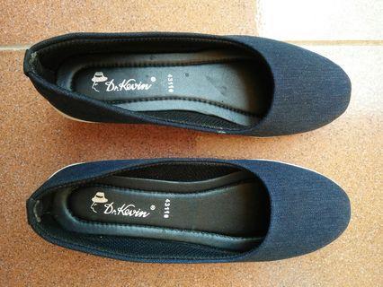 sepatu wedges dr kevin