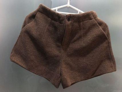 Brown Autumn / fall thick shorts with pocket (pakaian musim Seljuk)