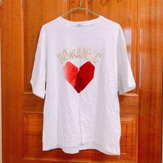 白色造型t恤