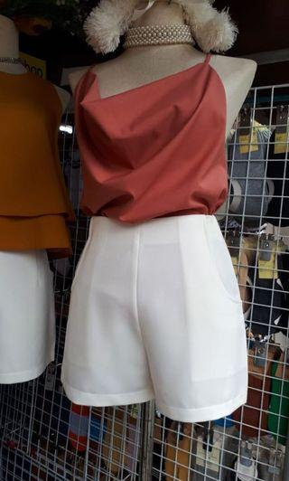 High-waisted short pants