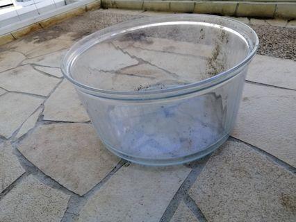 Round glass aquarium - diameter 27-33cm, height 17cm