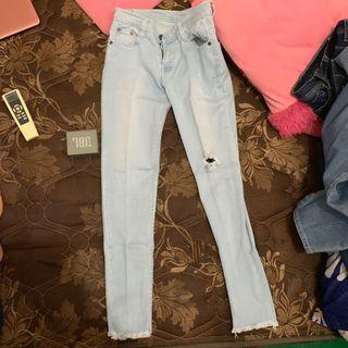 celana panjang jeans ripped punny skinny