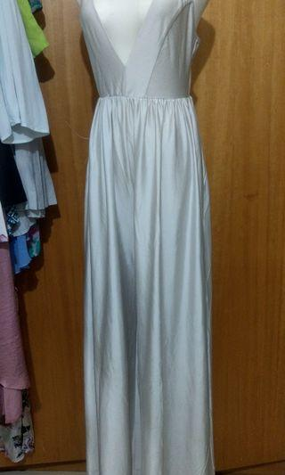 F) 銀白低胸連身褲 有口袋 Maxi jumpsuit with pockets
