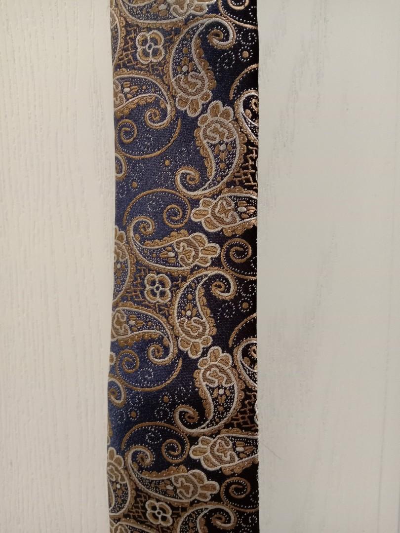 割愛減價 全新 高質素 男裝領呔 領帶 配西裝 新郎高貴腰果花深色