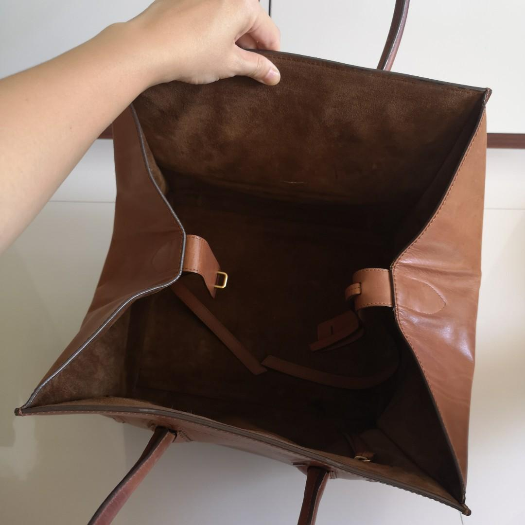 Authentic Celine Phantom Hand Bag