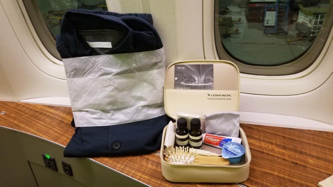 國泰航空(CX)頭等艙睡衣套裝+護理套裝