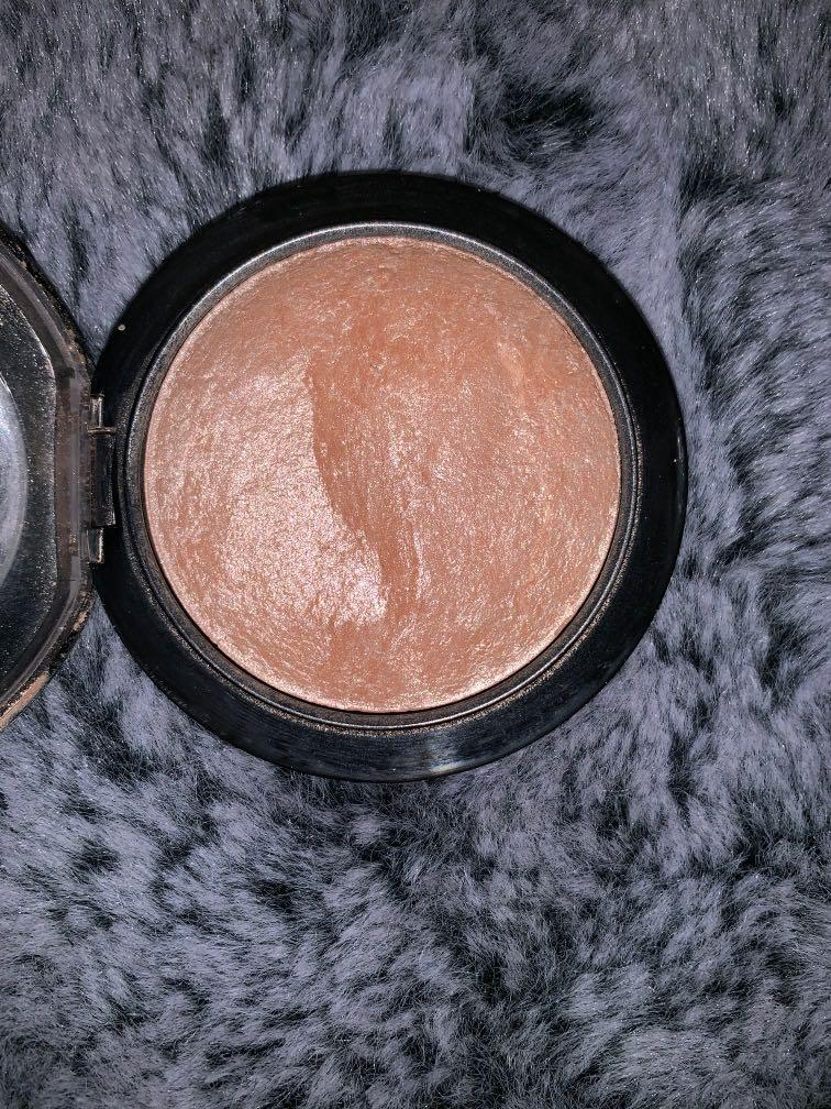 PRICE DROP !! MAC Soft & Gentle - Mineralize Skinfinish Natural