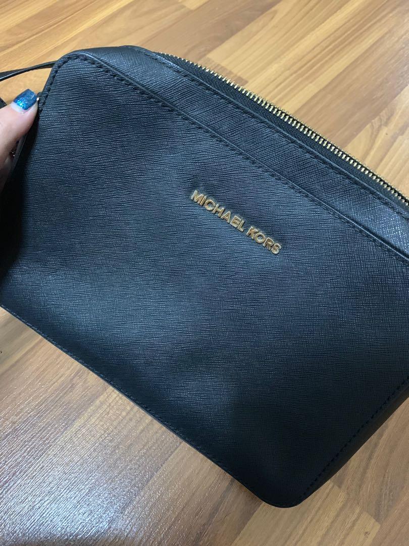 Michael Kors Jet Set Travel Sling Bag