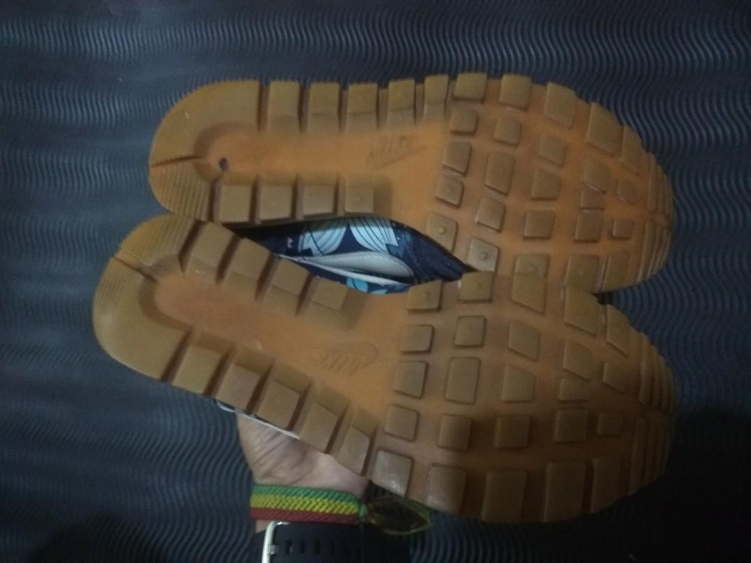 Sepatu Nike WMNS Air Pegasus 83 Print