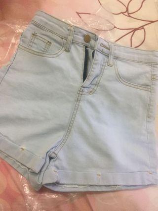 全新淺藍色短褲