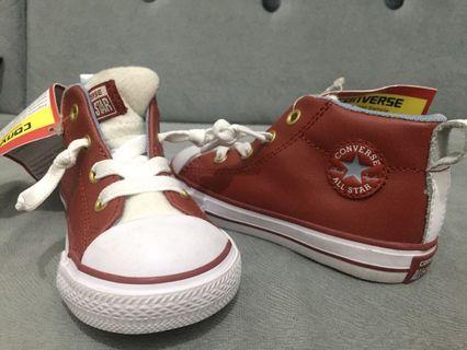 Sepatu anak / sneakers anak