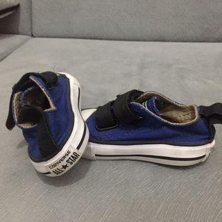 Sepatu bayi / sneakers bayi