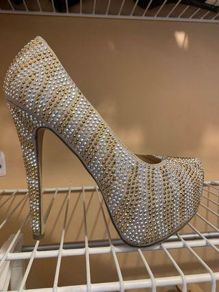 Showstopping stiletto pumps - beige/gold