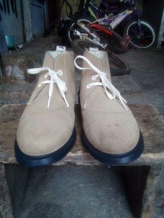 Dr martens docmart desert boot bukan redwing clark timberland converse nike adidas nudie topman zara bershka