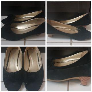 The Sandals Mini Heels