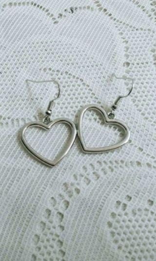 Anting Love Silver