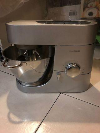 🚚 Kenwood chef mixer