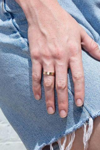 🚚 Brandy Melville gold band ring